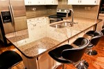 tropic-brown-kitchen_01