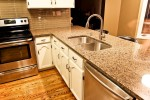 tropic-brown-kitchen_09